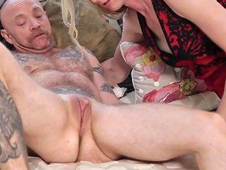 Mandy Mitchell Is A Chick With A Dick Ready For A Kinky Action