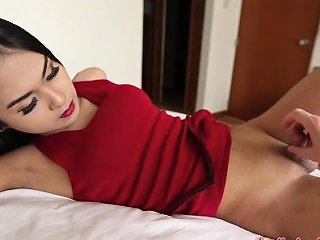 Transsexual Bargirl From Thailand Gives A Blowjob And Gets Her Anus Slammed Anysex Com Video